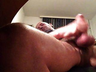 papá se masturba y corría
