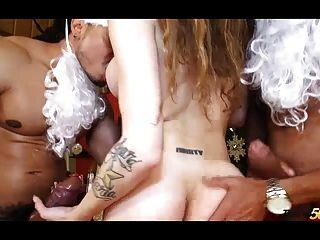 hermosa kylie maria follada por dos santas arrogantes