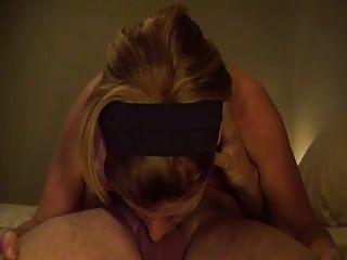 ella ama a deepthroat una polla en 69 posición del sexo
