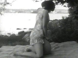 naket hasta tusen (1968)