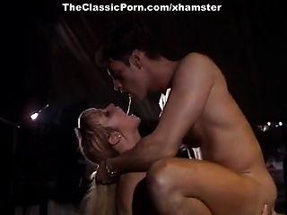 sandy, rebecca lord, rocco siffredi en la escena porno clásica