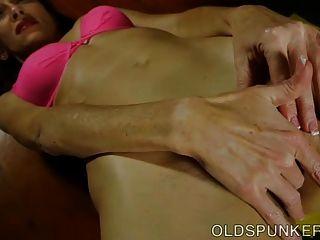super sexy sexy spunker folla su coño húmedo empapado