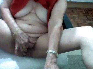 abuelita brasileña 62 años solo