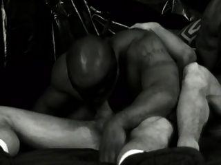negro blanco y más caliente escena 1