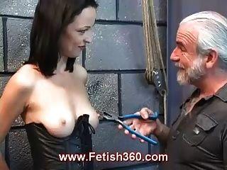 tawny ahora es una esclava sexual