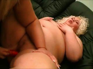 gordas bbw lesbianas lesbianas les encanta chupar tetas y coño 2