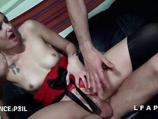 brunette francaise sodomisee et prise en doble penetración