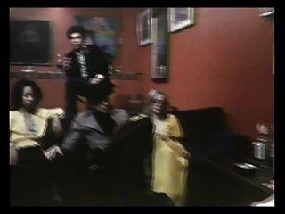 señora en el sofá (1978)