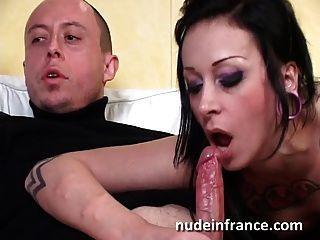 Sexy sexy slut francés golpeó duro y jizzed en un pie