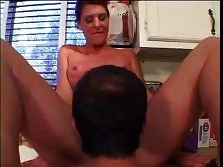 cuerpo perfecto milf folla en la cocina