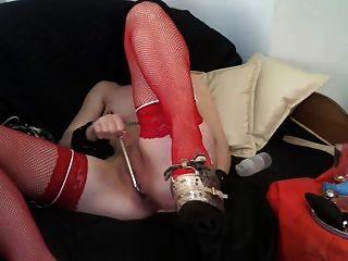esclava en la máscara y pantyhose rojo
