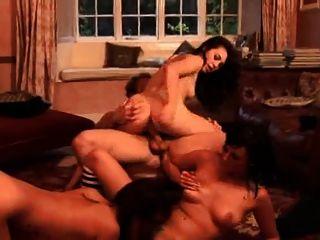 3 chicas y un chico afortunado