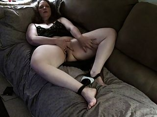 esposa con electroestimulador