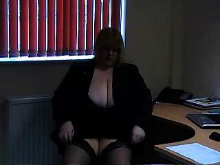 big titted blonde bbw dildos en silla de oficina