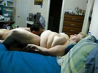 mujer bbw obtiene coño lamido y corridas en las tetas