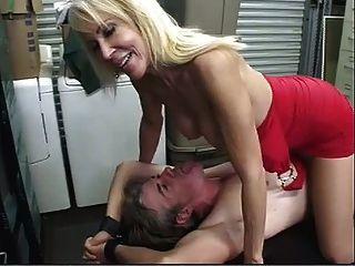 la tensión de la eyaculación del poste de la esclavitud del pantyhose!