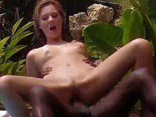 mujer blanca folla con negro francés en jamaica