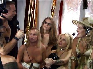 la abuelita judía jadea durante el show de sexo