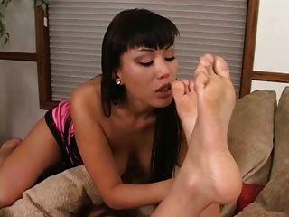 asiático pies amorosa lesbianas