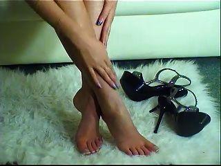 tacones altos y piernas preciosas