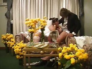 dolores lux, en su noche de bodas