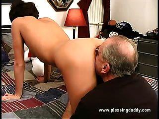 nikita obtiene follada por jesse hombre viejo