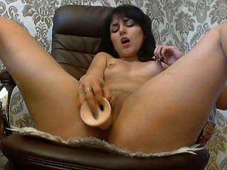 nena en la webcam