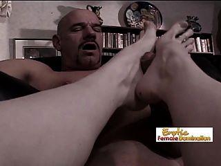 después del fisting anal es hora de un pie en el asno