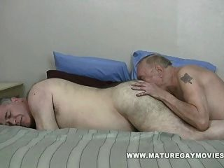 gorda papá obtener follada por chubby maduro amigo