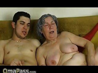omapass chico joven mierda muy vieja abuelita con su novia