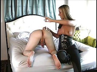 maitresse da un impresionante masaje de próstata