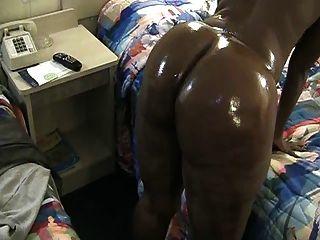 gruesa milf negro sacudir su culo