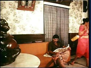 mallu maid clivage show