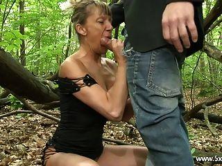 shanaelle una anal madura follada en el bosque