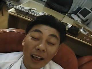 enfermera de puta coreana folla con el médico
