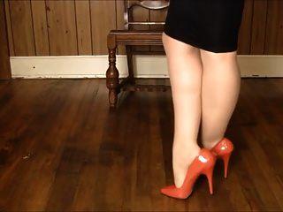 falda brillante, medias de los talones y juego de la pierna!