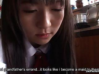 asiática ama de casa es follada y crema por los hombres