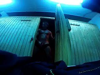str8 papá cum arriesgado en el gimnasio sauna
