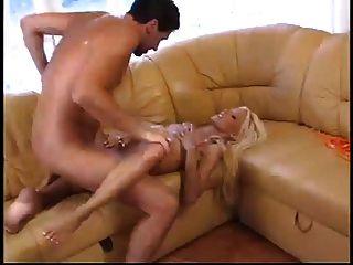 blanquear blonde nikki le gusta el sexo caliente en la casa de playa sucia