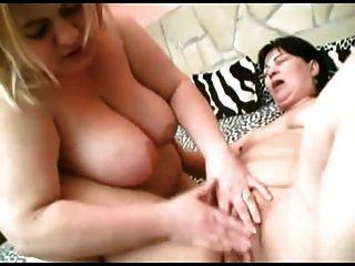 gorda gb bbw lesbianas besándose, mamando tetas, jugando con el coño