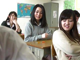 escuela japonesa del infierno con extrema facesitting subtitulado