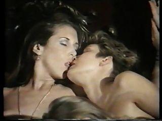 escena de orgía lesbiana de su último fling