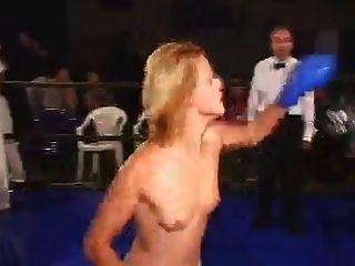 verdadero boxeo en topless (2)