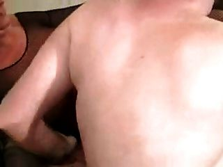 caliente puma maduro en medias chupa y folla