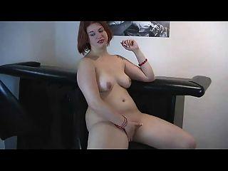 cachonda gordita pelirroja ex novia jugando con mojado coño