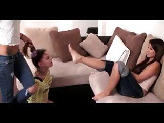 esclava de pie lesbiana de dos señoras