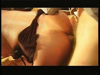 transexual exótica con tetas pequeñas anal follada hardcore en la mesa en la sala de estar