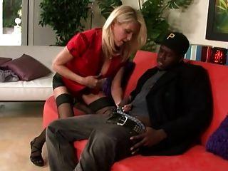 chica caliente tener sexo interracial con su novio