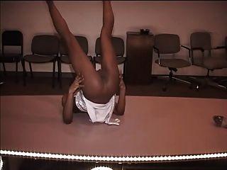 sluts stripper hottie bailando por dinero en efectivo