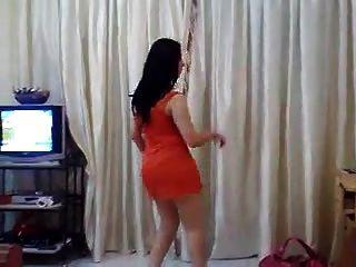 madura muslima caliente milf bailando y seduciendo hindu stud